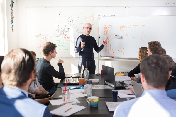 The Truth Behind The 7 Most Popular Leadership Myths